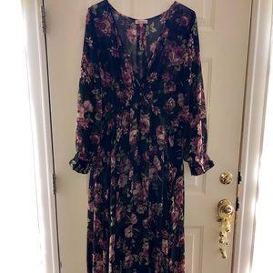 Dresses & Skirts - Women's floral printed shift on chiffon maxi dress
